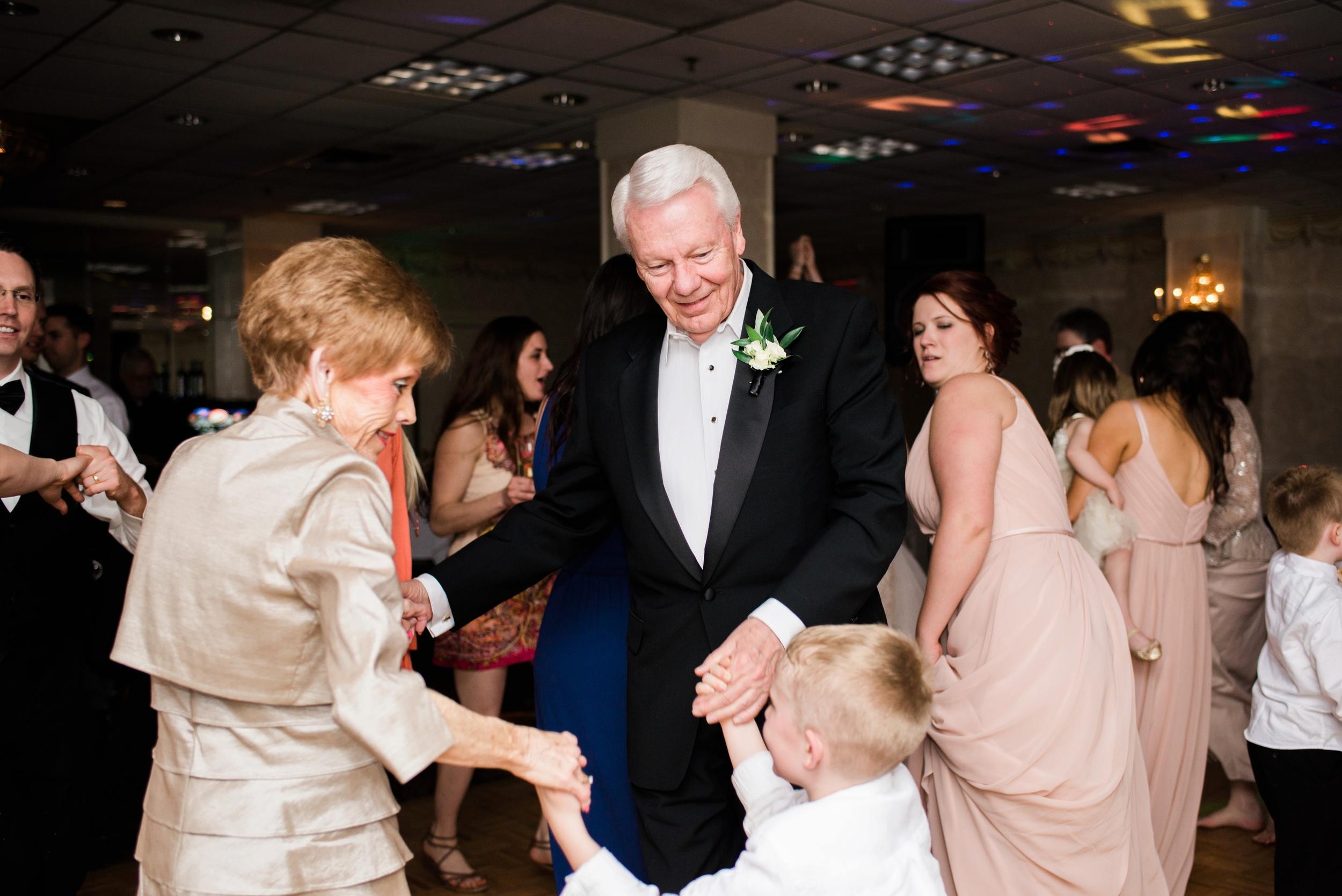 Downtown Des Moines Wedding Photographer_2149.jpg