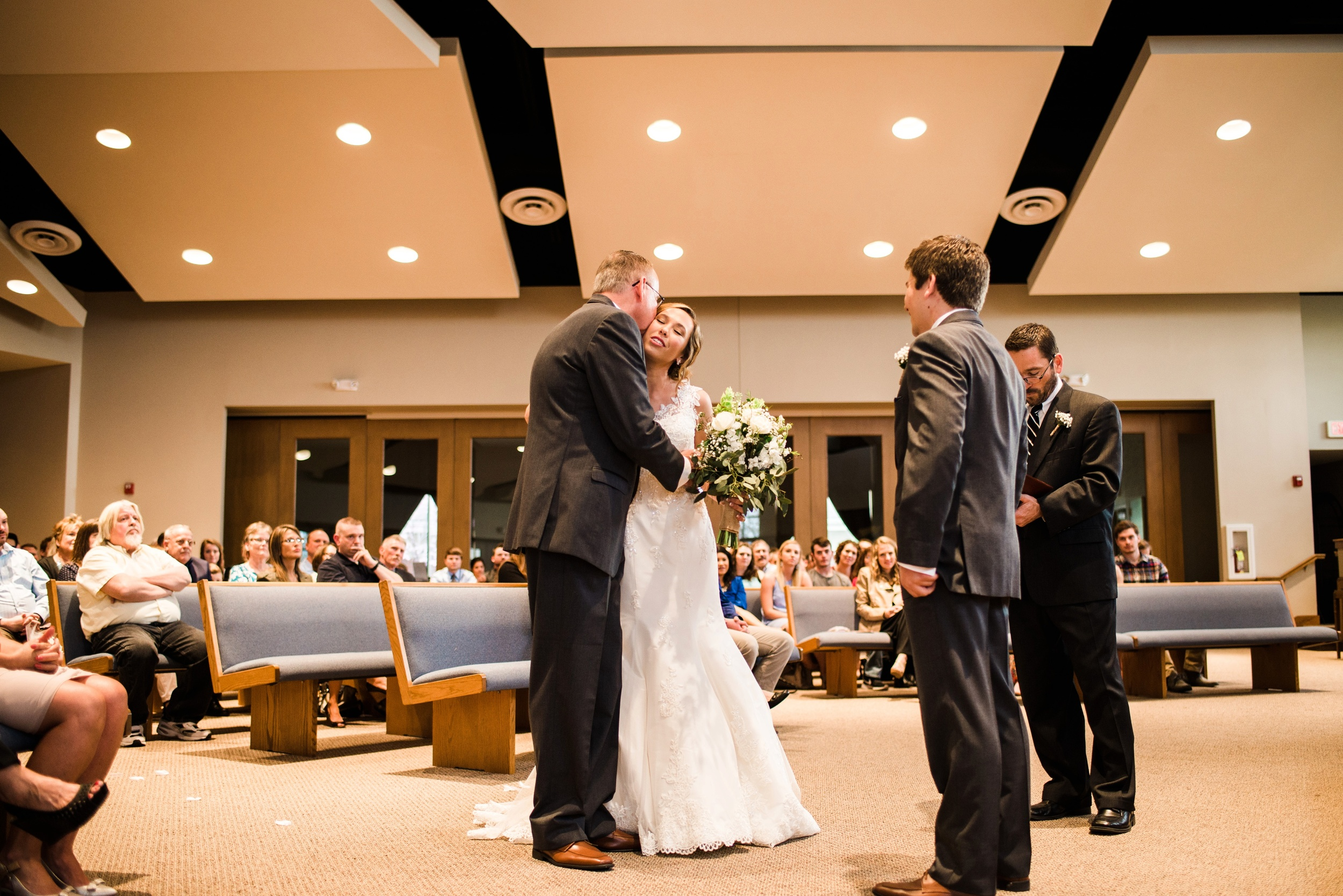Pleasant Hill Des Moines Wedding Photographer_2167.jpg