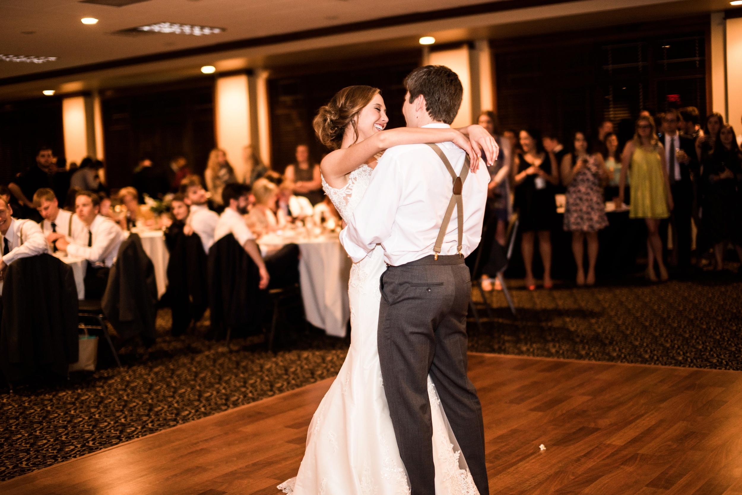 Pleasant Hill Des Moines Wedding Photographer_2186.jpg