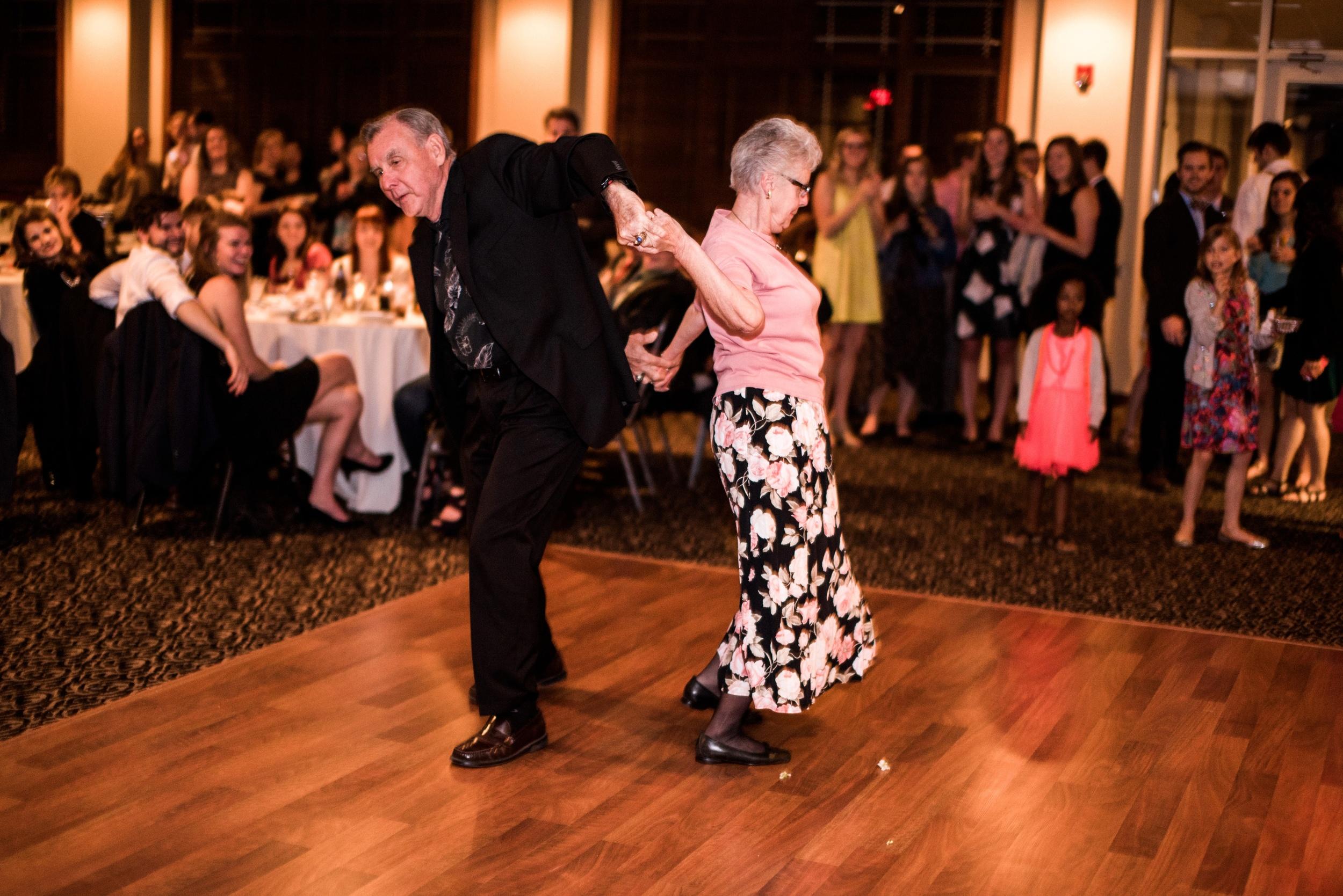 Pleasant Hill Des Moines Wedding Photographer_2192.jpg