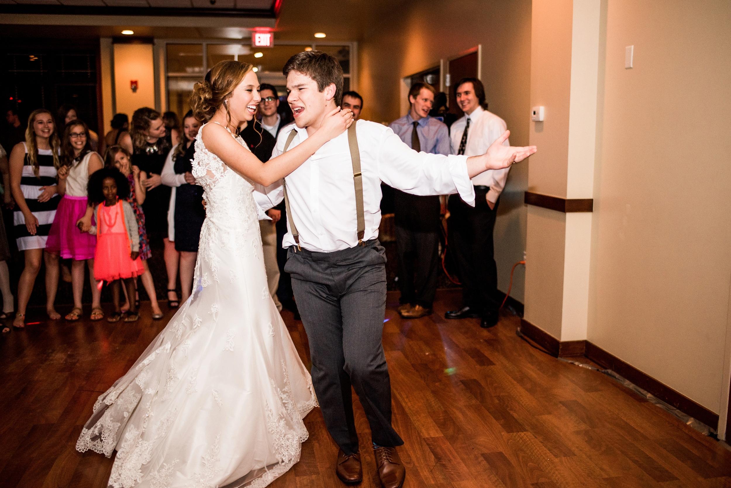 Pleasant Hill Des Moines Wedding Photographer_2200.jpg