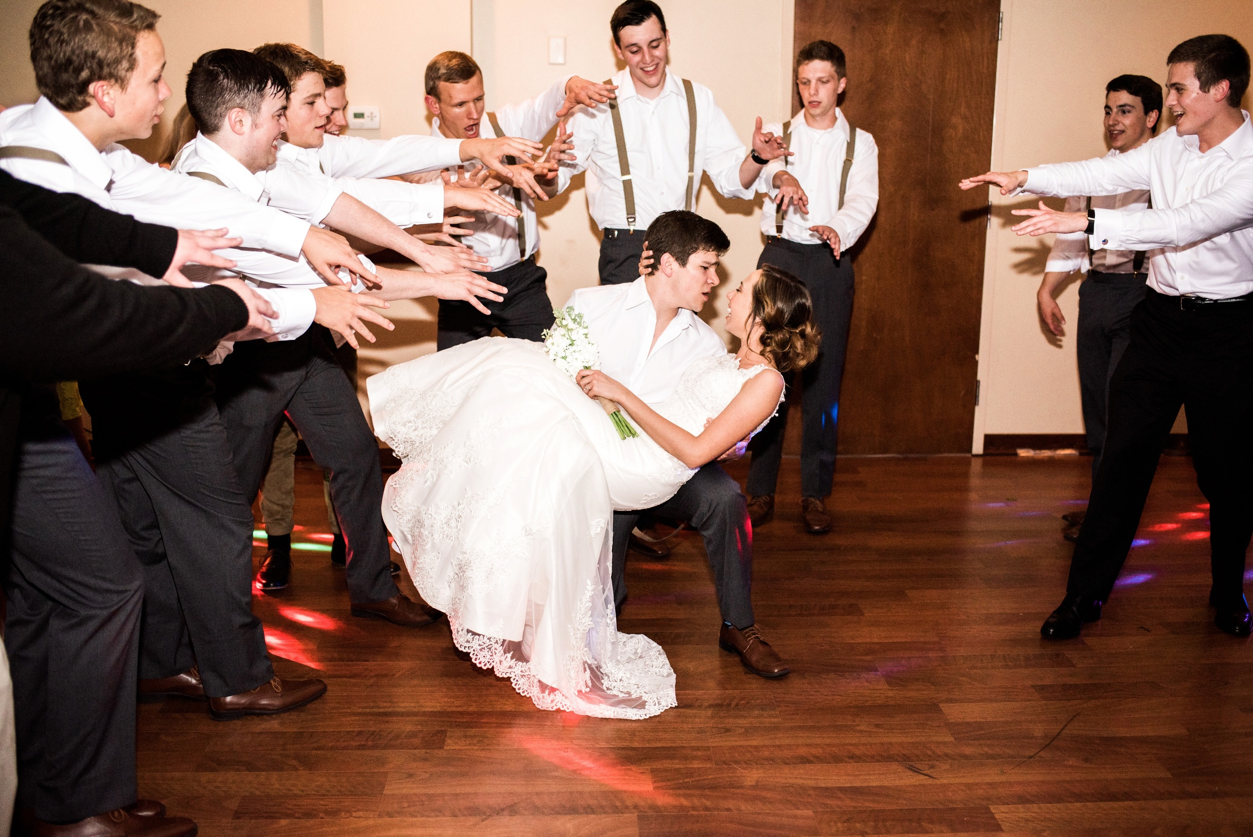 Pleasant Hill Des Moines Wedding Photographer_2209.jpg