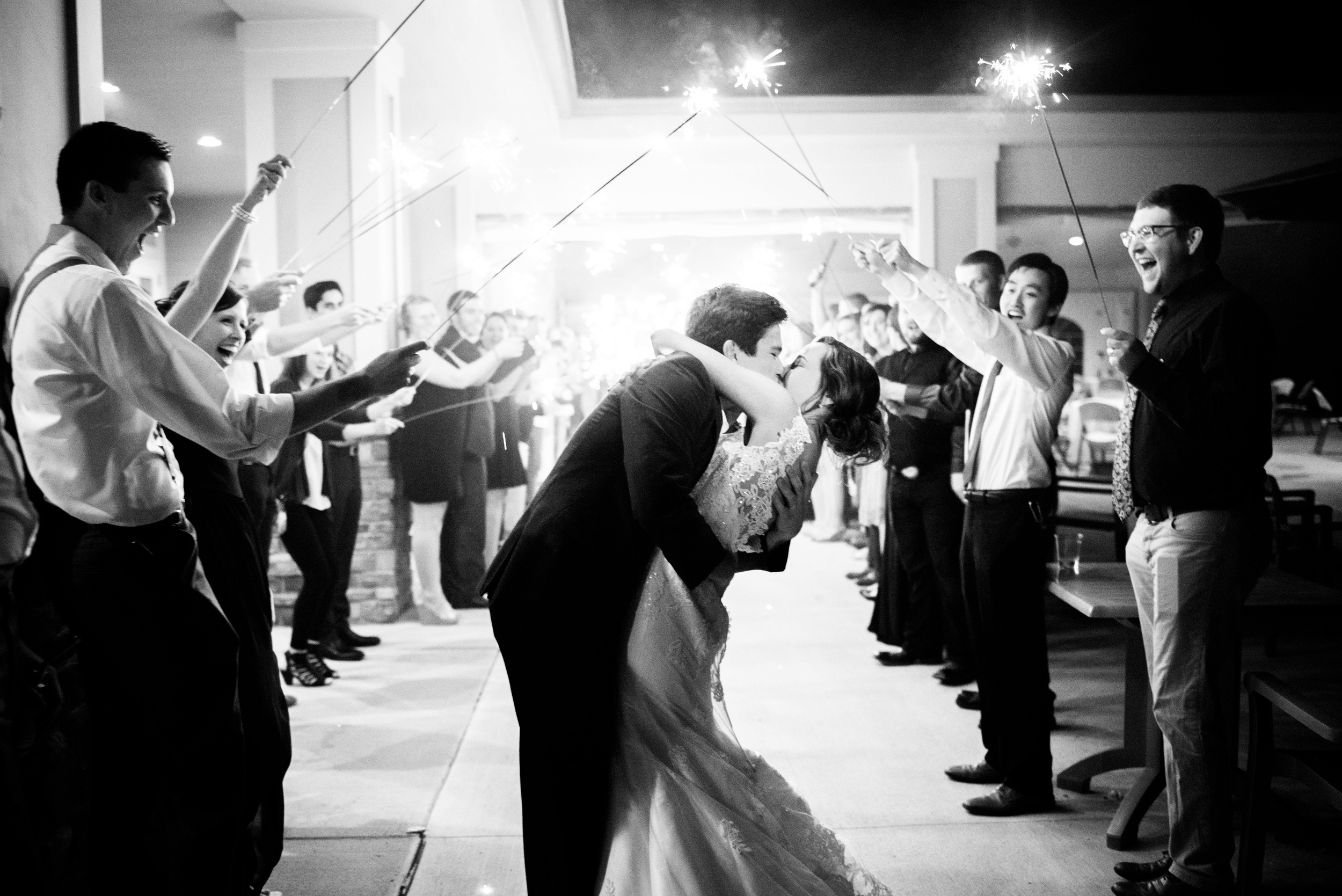 Pleasant Hill Des Moines Wedding Photographer_2215.jpg