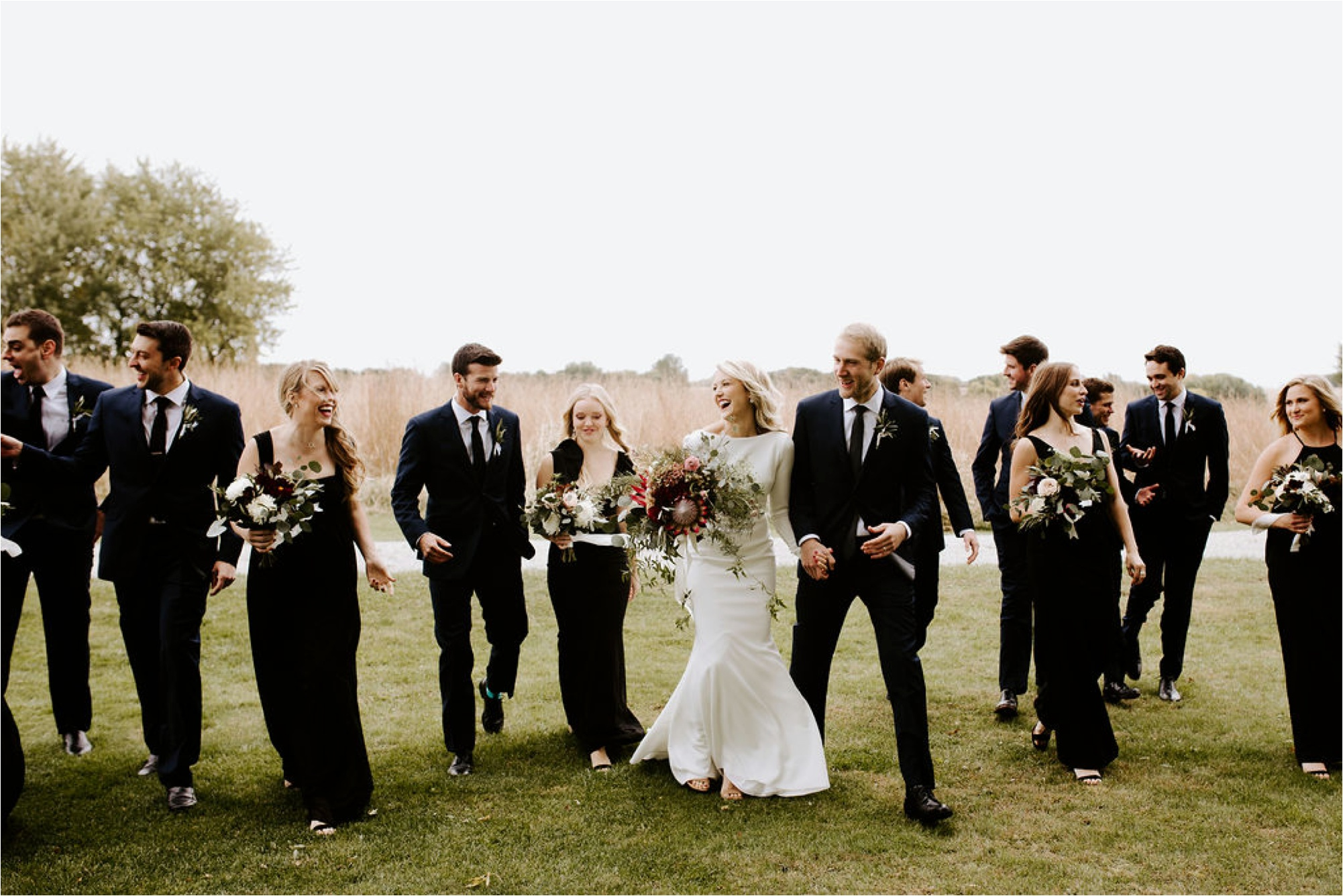 Minnesota Outdoor Family Farm Wedding Photographer_3827.jpg