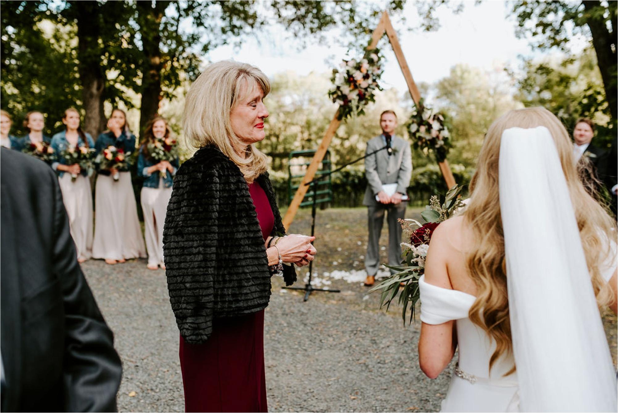 Winehaven Taylor's Falls Fall Wedding Minnesota Photographer_3876.jpg