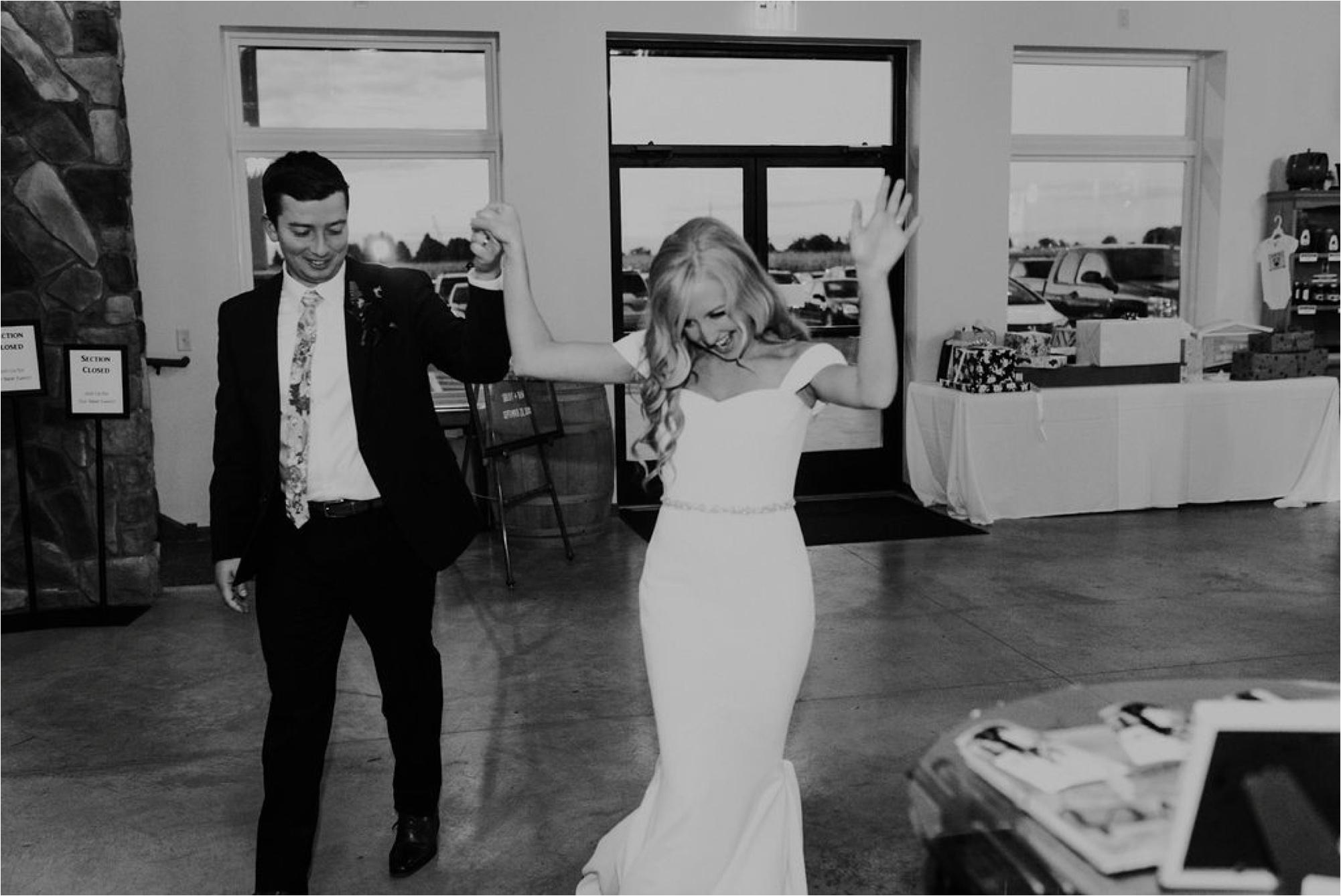 Winehaven Taylor's Falls Fall Wedding Minnesota Photographer_3892.jpg