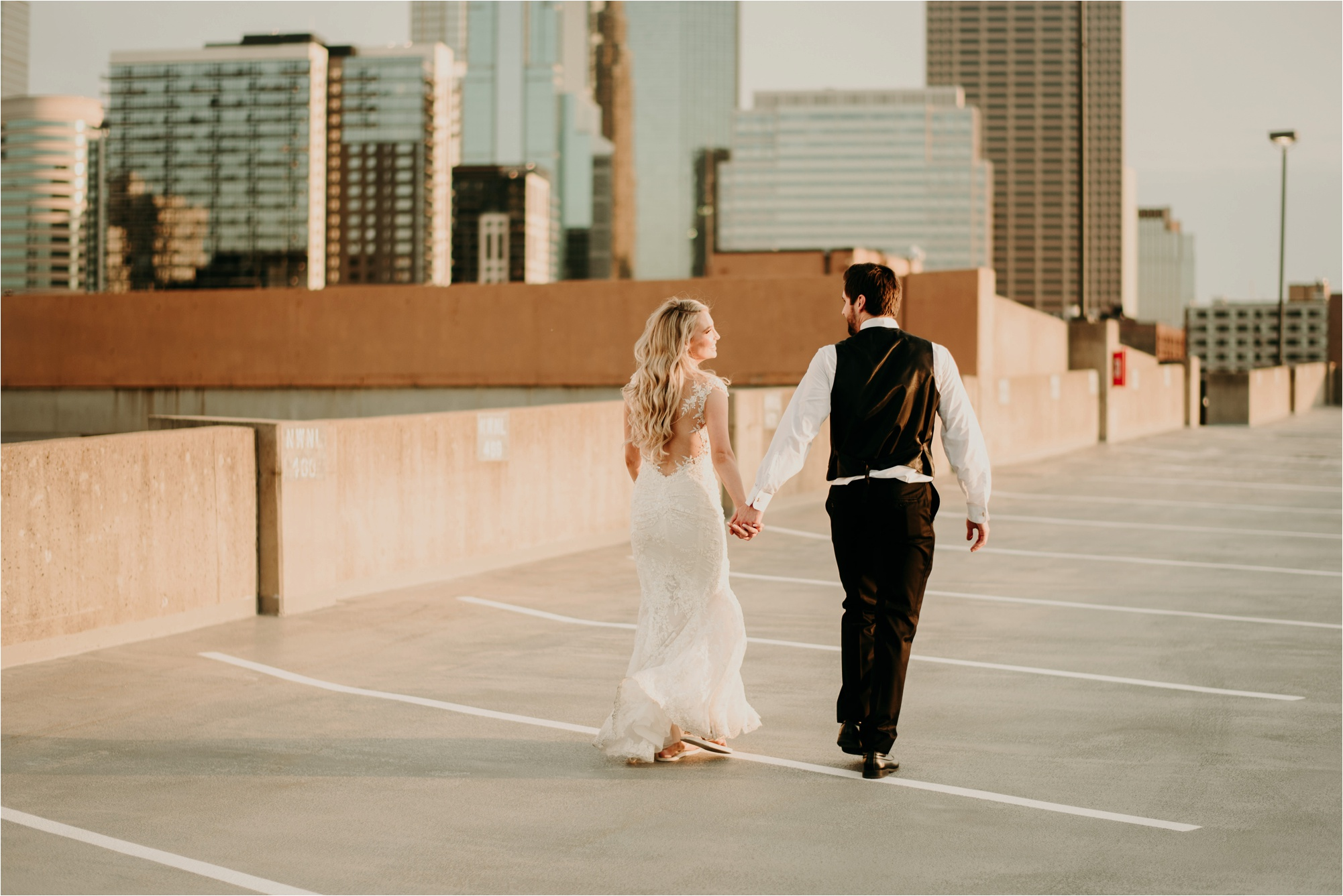 aria minneapolis wedding photographer bride and groom sunset photos