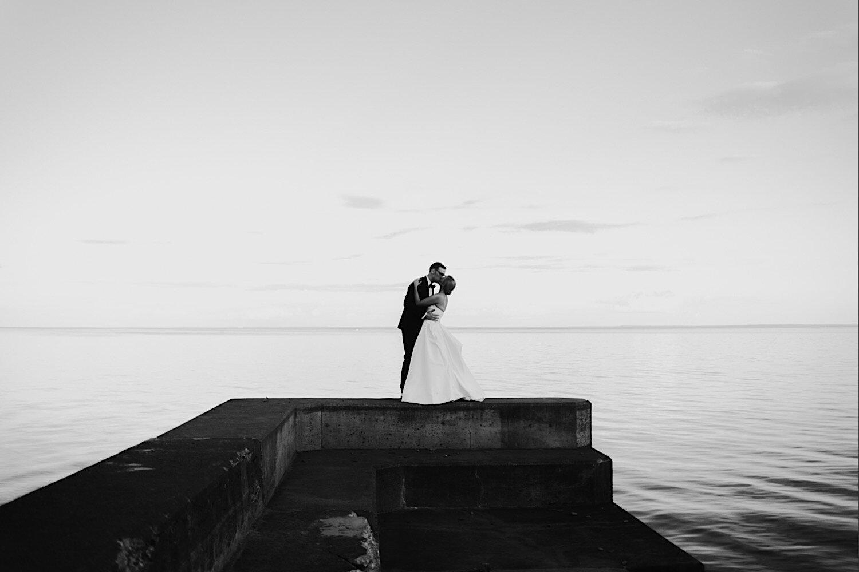 glensheen mansion duluth bride and groom photoos
