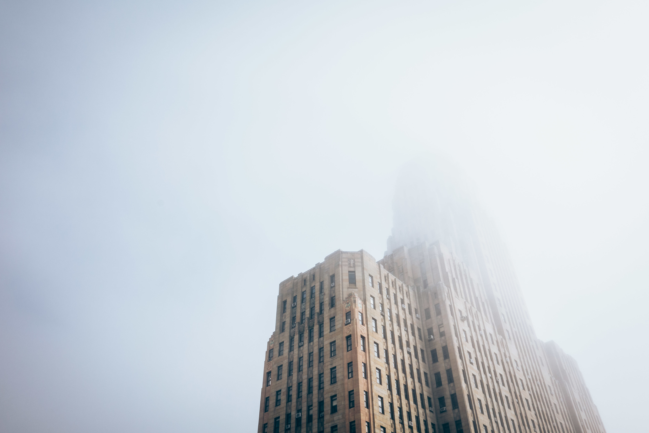 sarahwintlephotography_buffalocityhall_fog