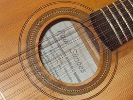 Página de Facebook conferida à obra de Raul Simões  (Guitarra de Coimbra construída por Raul Simões.