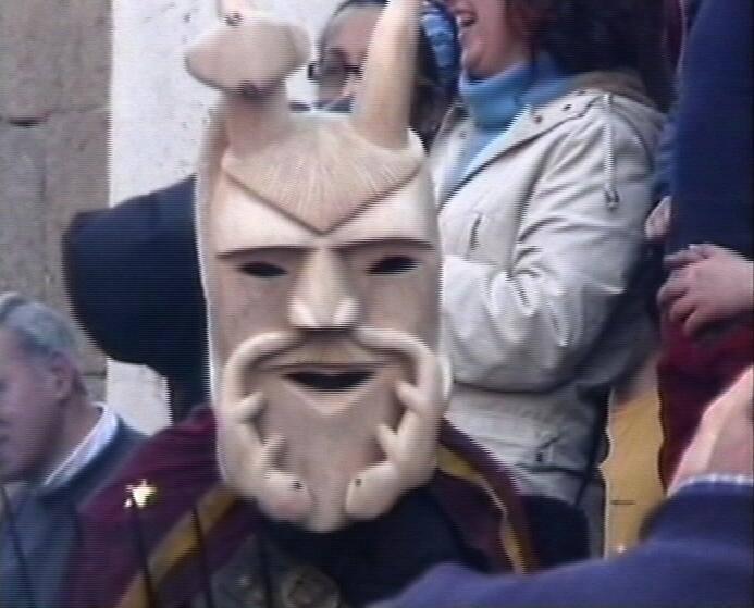 FIG: 3. Máscara de diabo, de Adão de Casto Almeida*