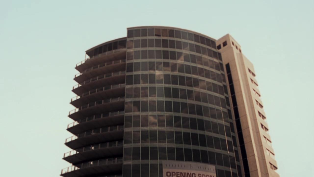 Volcano  (1997), Beverly Heights building, top floors.