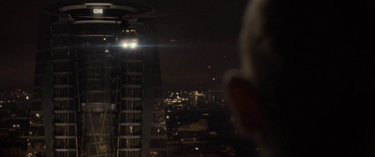 Spectre  (2015), Bond looking across to the CNS Building, Blofeld in a helicopter between.