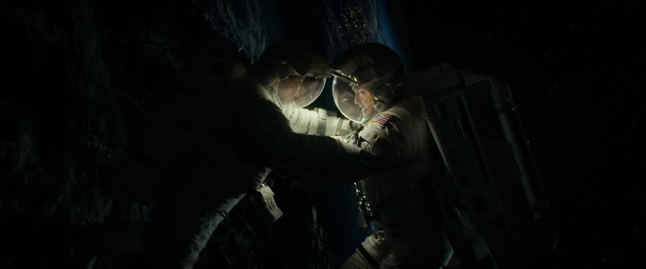 Gravity  (dir. Alfonso Cuarón, 2013)