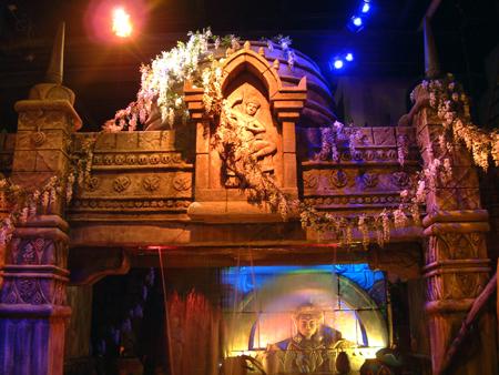 Rain curtain entry to the Asian temple 2402686060[K].JPG