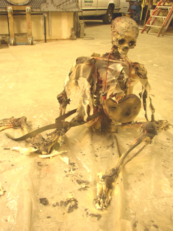 Skeleton of treasure hunter from finale 2401857769[K].JPG