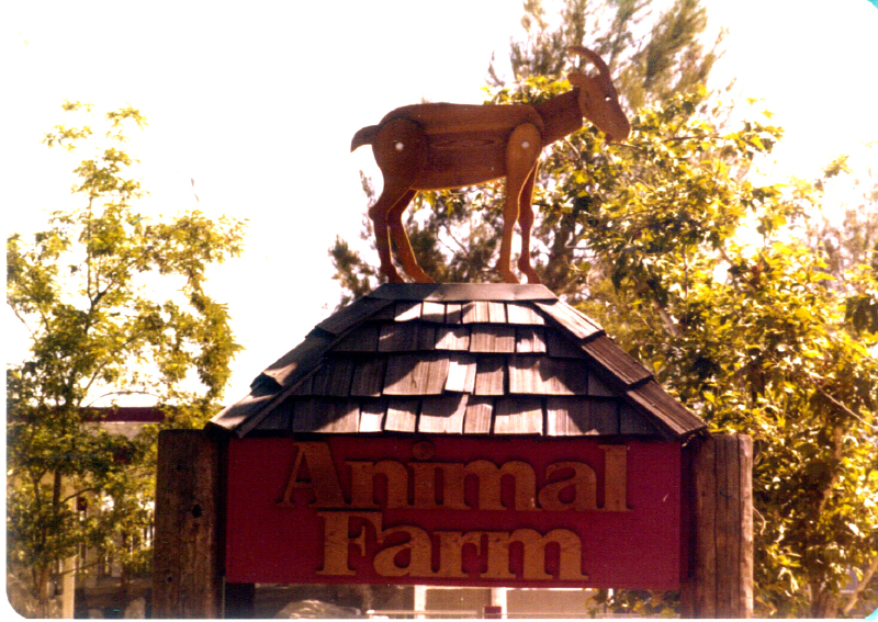 MAGIC MOUNTAIN Animal Farm 02 3484097291[K].JPG
