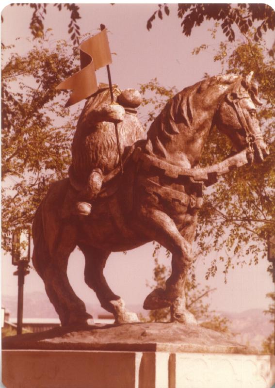 MAGIC MOUNTAIN Troll on horse 02 3484106429[K].JPG