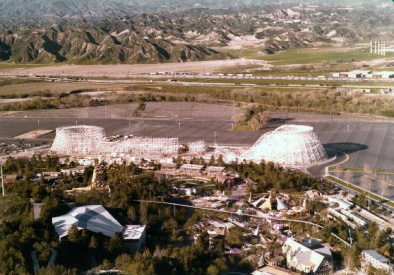 MM Collossus construction 05 6970969295[K].JPG