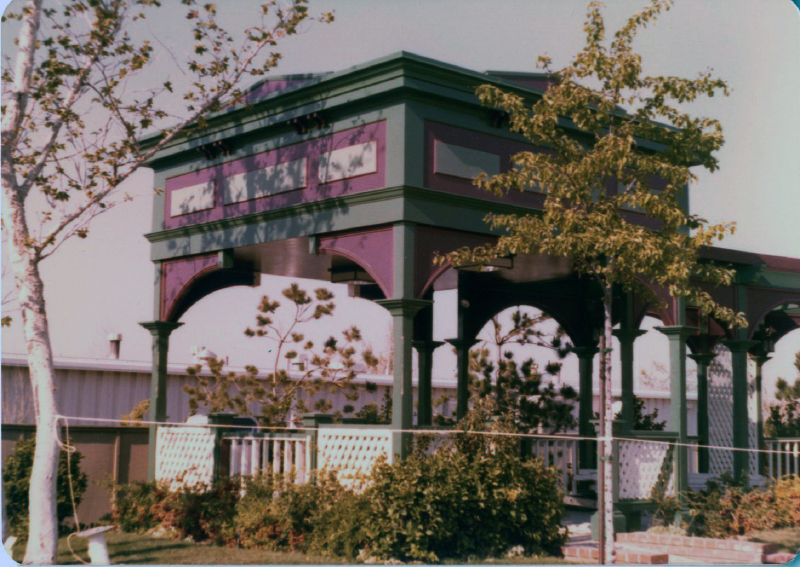 MM Grand Centennial Railroad_plaza 6824844100[K].JPG