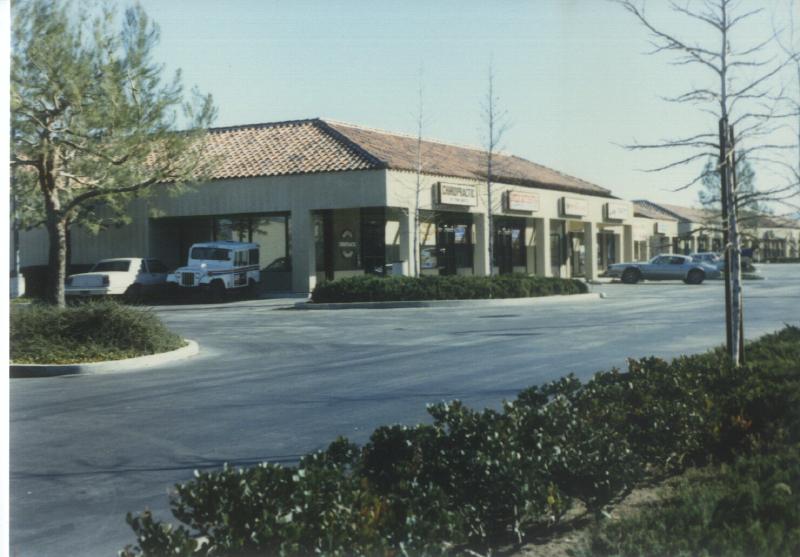 Santa Clarita shops 01 7945080050[K].JPG