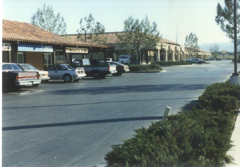 Santa Clarita shops 02 4154365509[K].JPG