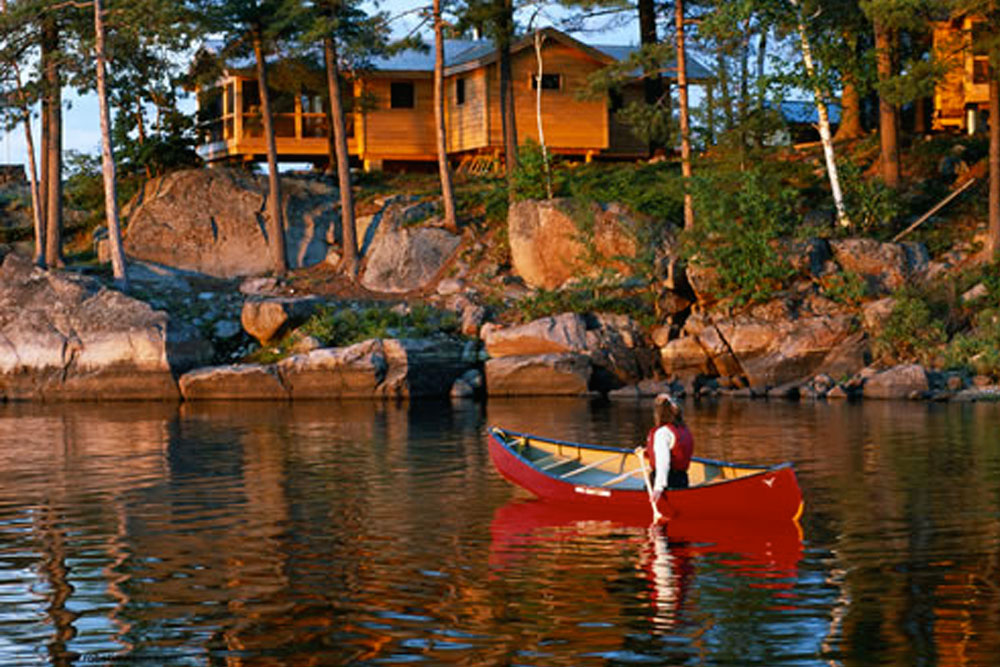 THE LODGE AT PINE COVE, FRENCH RIVER, ONTARIO, CANADA