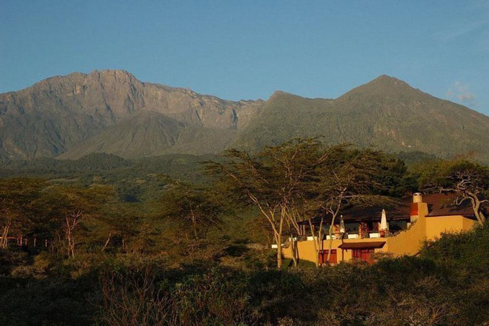 HATARI LODGE, TANZANIA