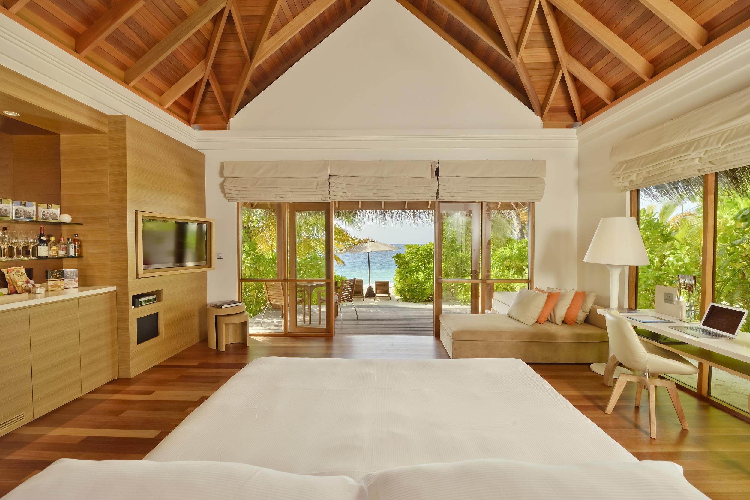 Hi_PHUV_59890029_Beach_Bungalow_With_Pool_Bedroom.jpg