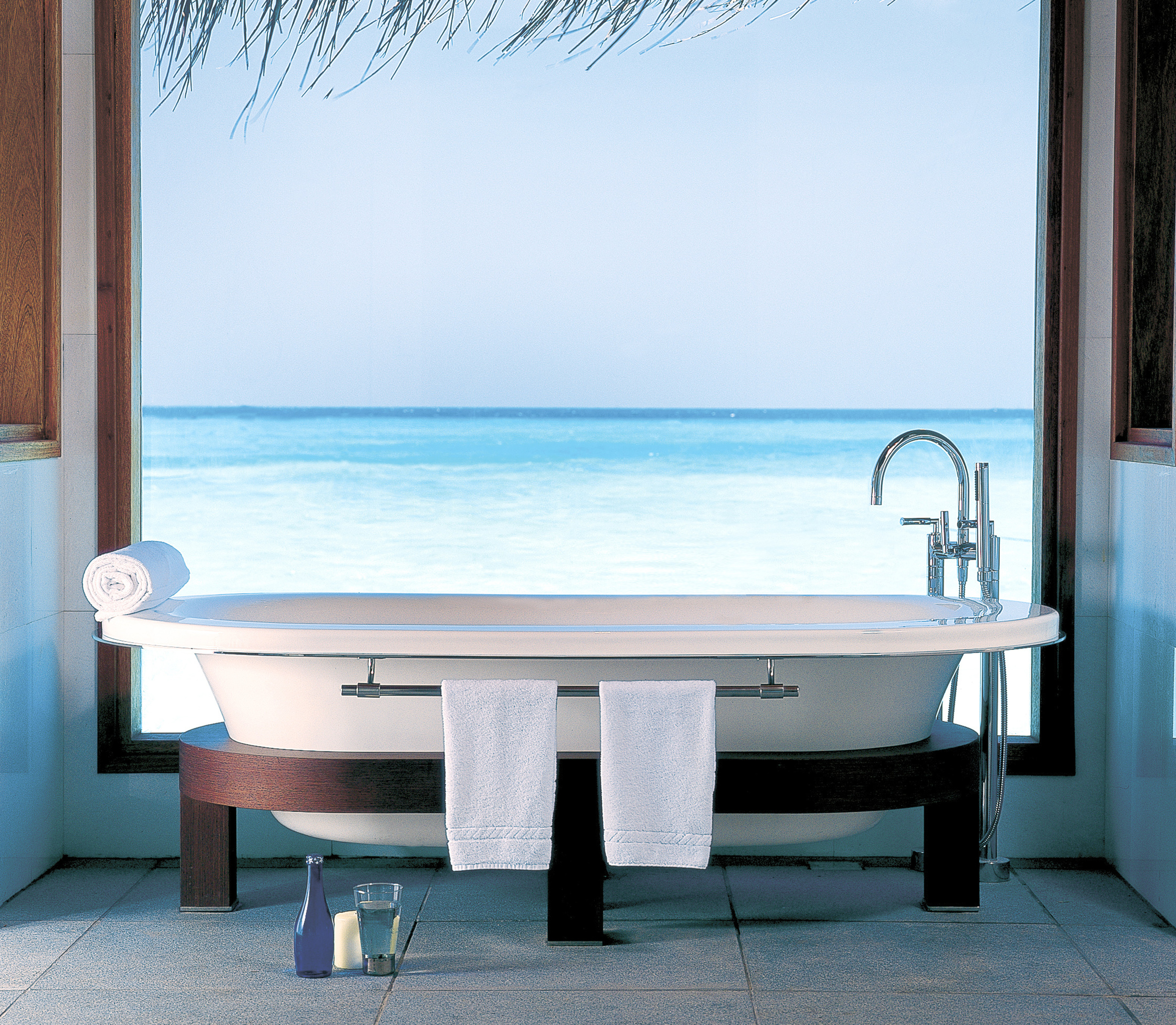 Hi_PHUV_59889957_Lagoon_Bungalow_With_Pool_Bathroom.jpg