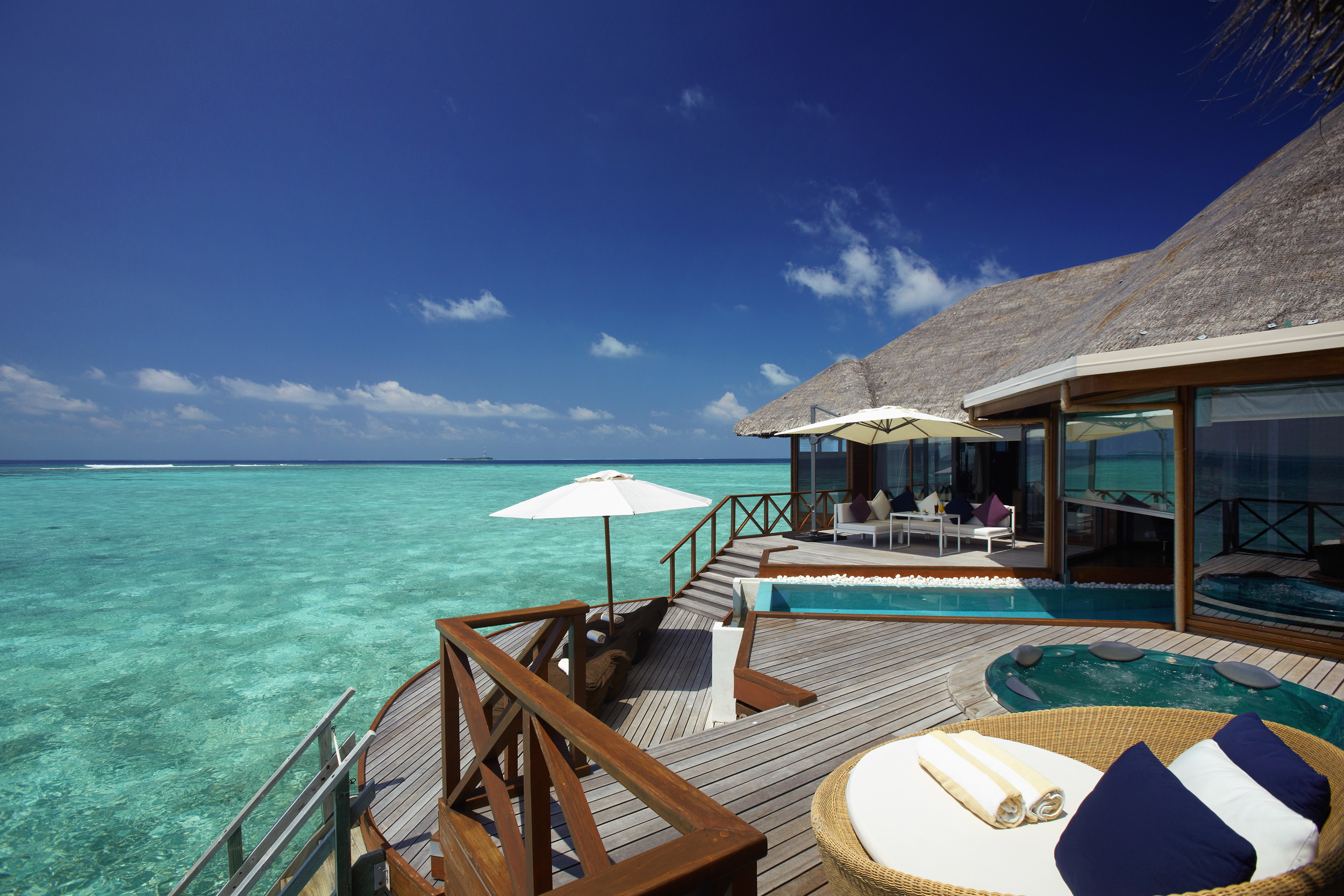 Hi_PHUV_64880480_Ocean_Pavilion_with_Private_Pool_(seaview).jpg