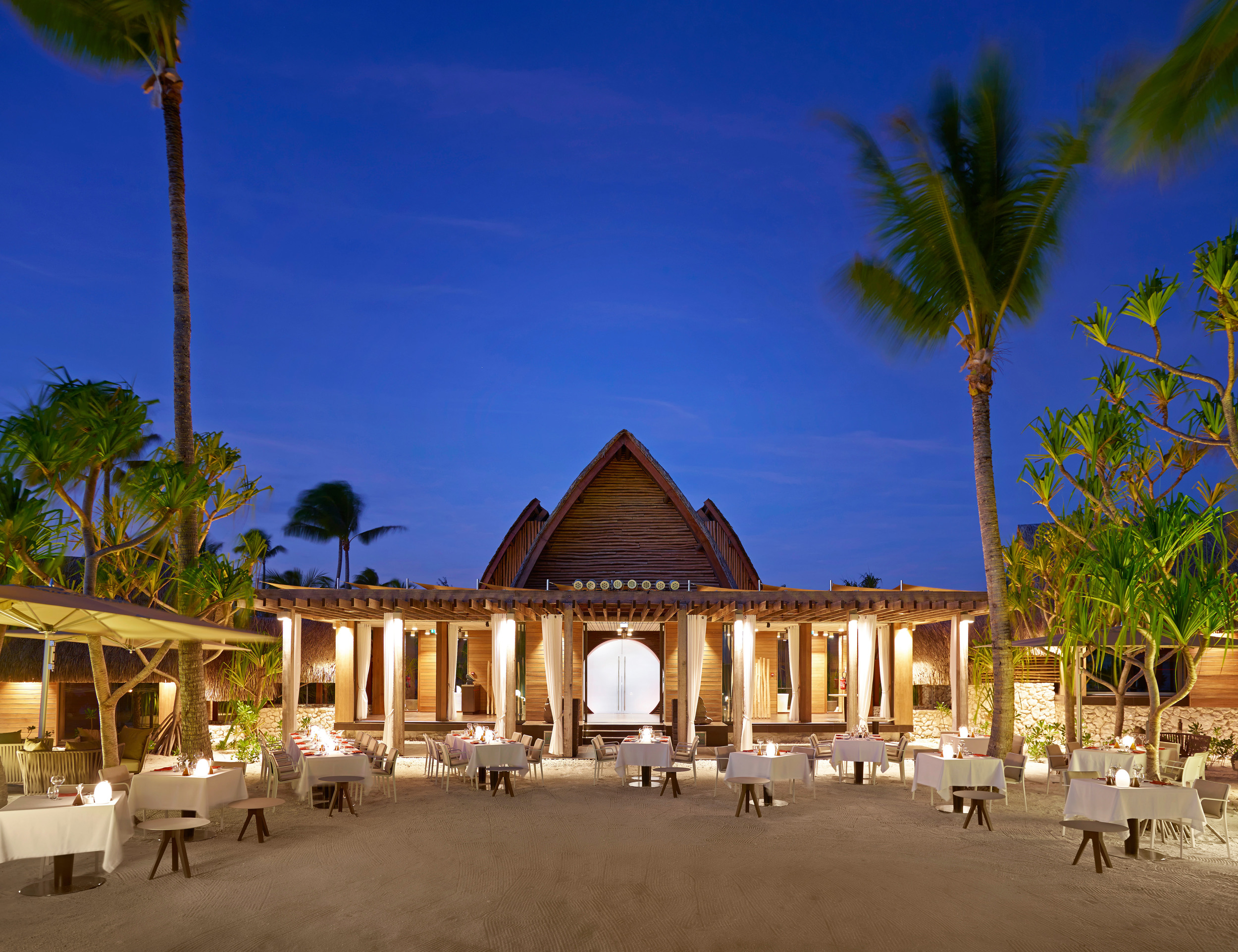 BRANDO_Restaurant-BeachDining-twilight 1sm.jpg