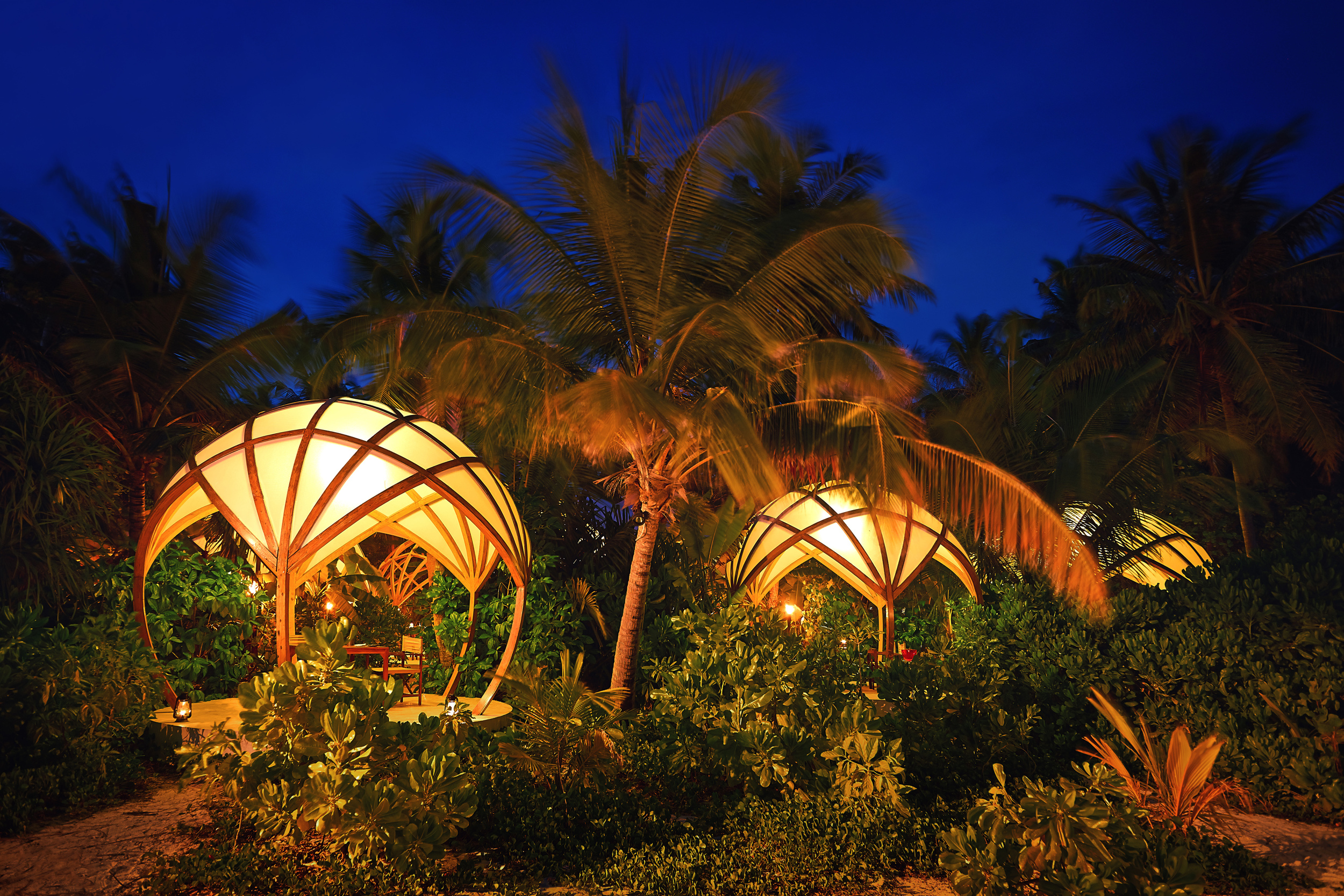 Hi_PNIY_59899813_Tribal_Pods_with_View_from_Beach.jpg