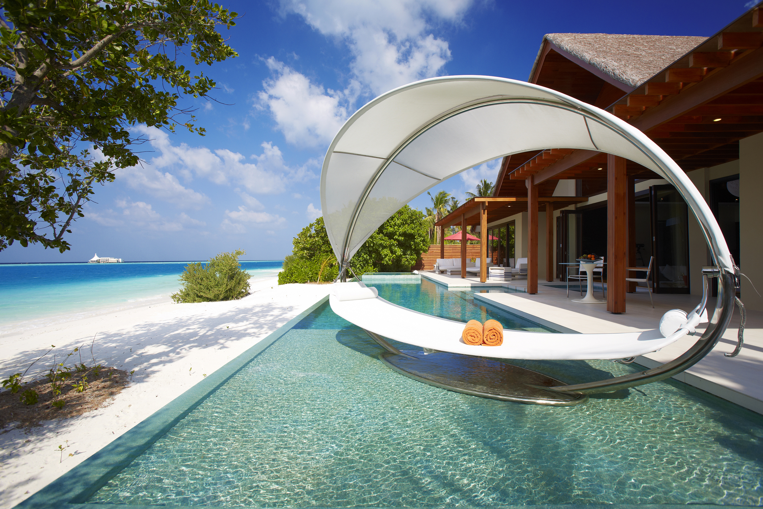 Hi_PNIY_61508858_Beach_Pavilion_Two_Bedroom_with_Pool_-_Exterior.jpg