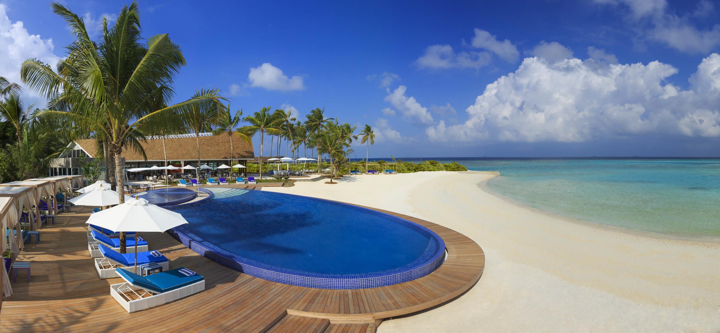 Hi_PNIY_65244836_Blu_Pool_and_Beach.jpg