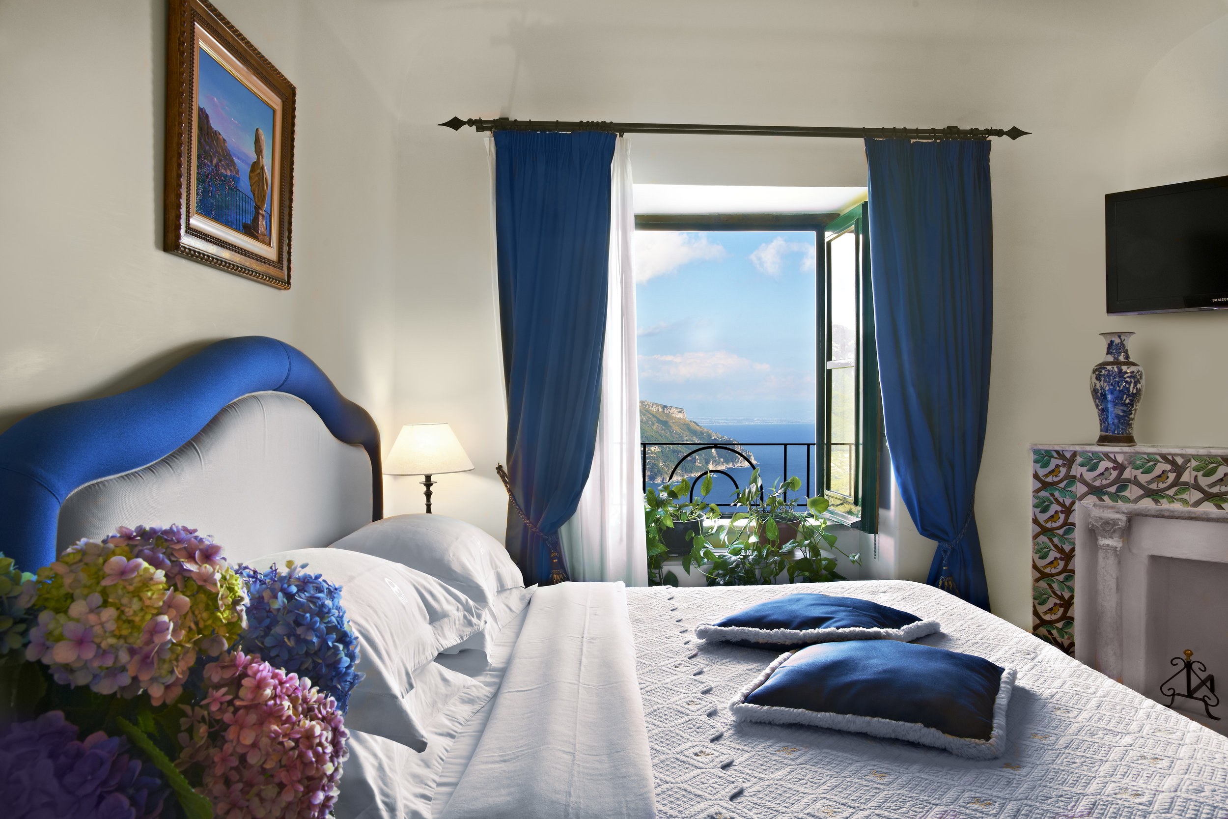 standard_room_seaview.jpg