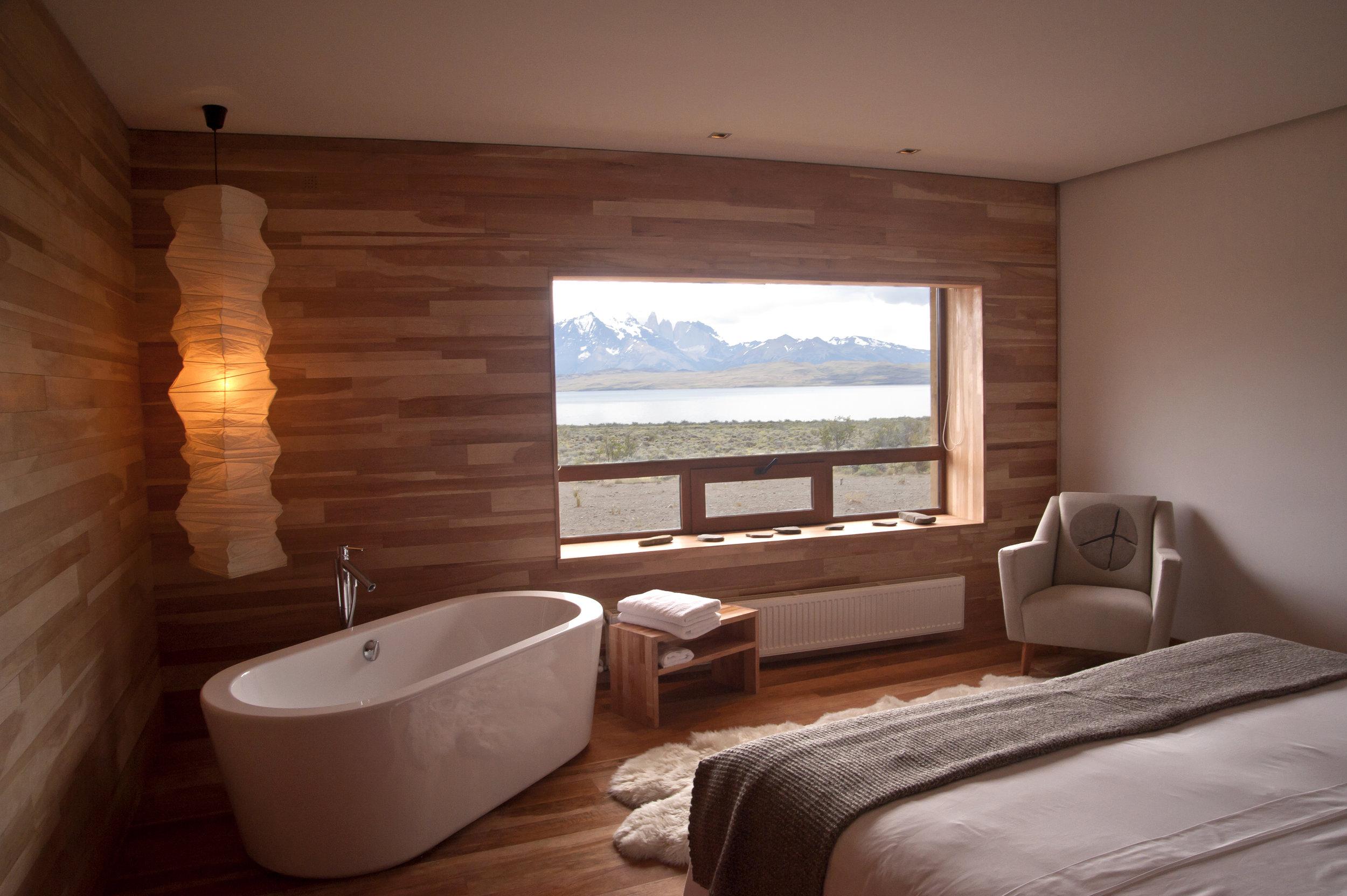 TierraPatagonia.suite.view.Torres del Paine.jpg