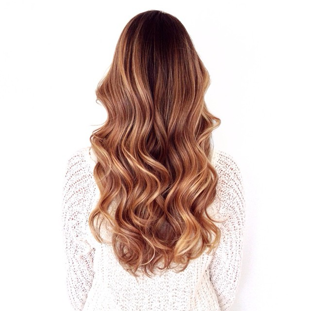 💙💙 #Longhealthyhair! @linda1970 #sombre #ombre #rootyblonde #brunette #blonde #caramel @mechesalonla #balayage #foils #olaplex #mechesalon #mechesalonla #sunkissed #sexyhair #chrisgreenehair
