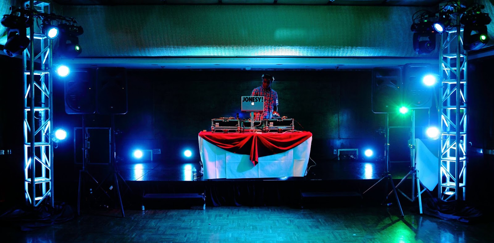Saturday, June 23rd I am honored to be the featured DJ at the 2012 Lumen Awards West Banquet   Illuminating Engineering Society   taking place on the gorgeous   Queen Mary   Ship  in Long Beach, CA.  The ceremony commemorates all the best lighting designers of the West Coast for their expertise.  Very excited to be a part of this event.    Californiaaaa.  Knows how to parrrttyyy
