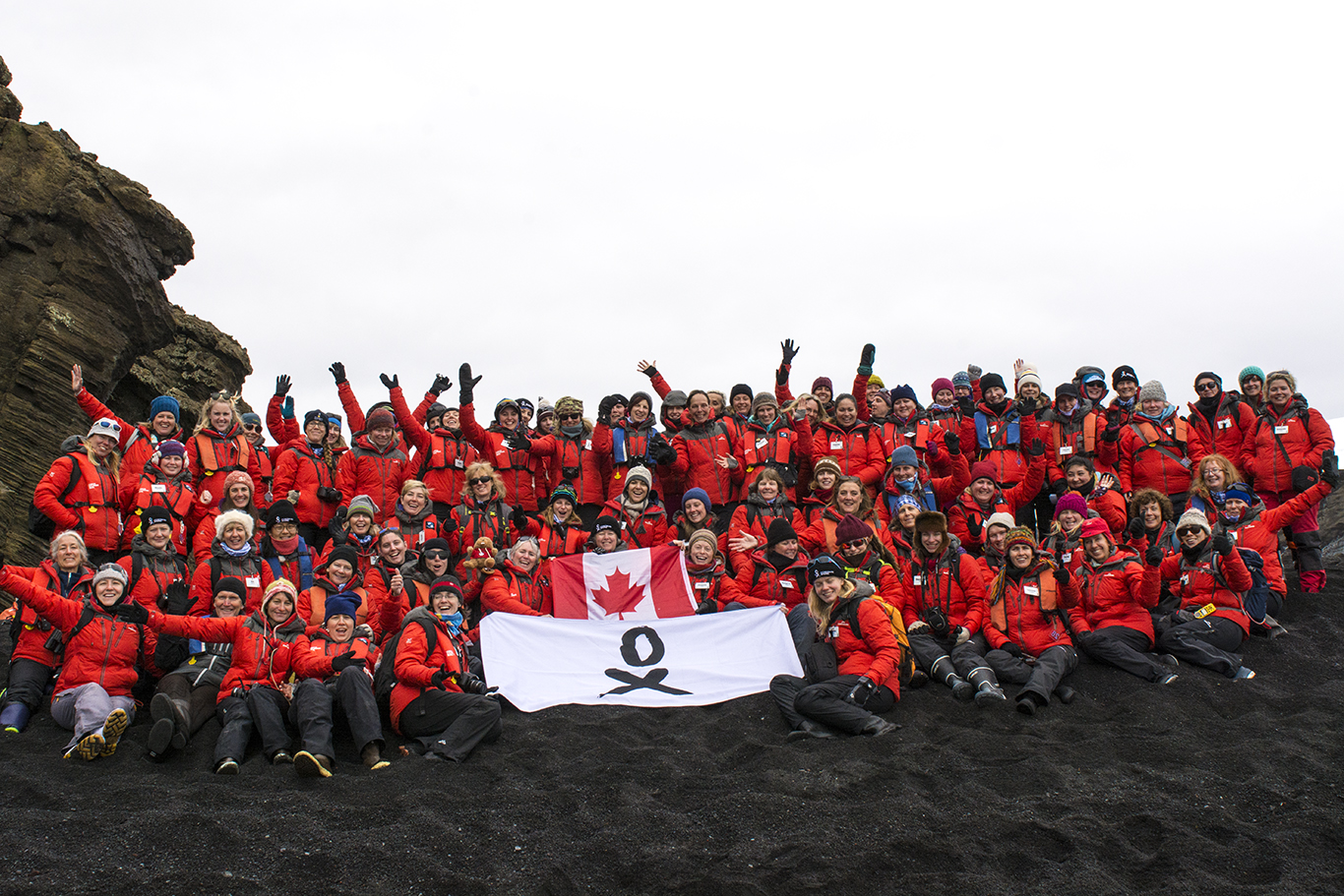 The 76 Women and staff of the homeward bound women in science leadership expedition to antarctica (deception island, antarctica)