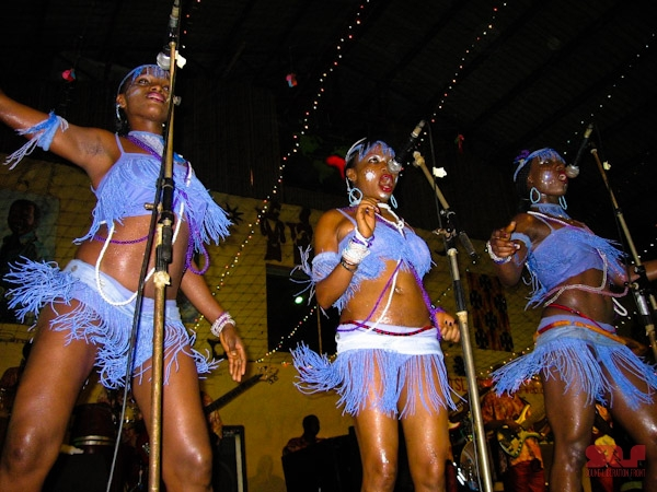 """The """"Wives"""", Afrika Shrine, Lagos 2006 (photo by Ezra Gale)"""