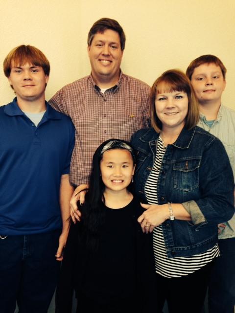 Lee & Michelle, with children Joseph, Aaron, & Lianna