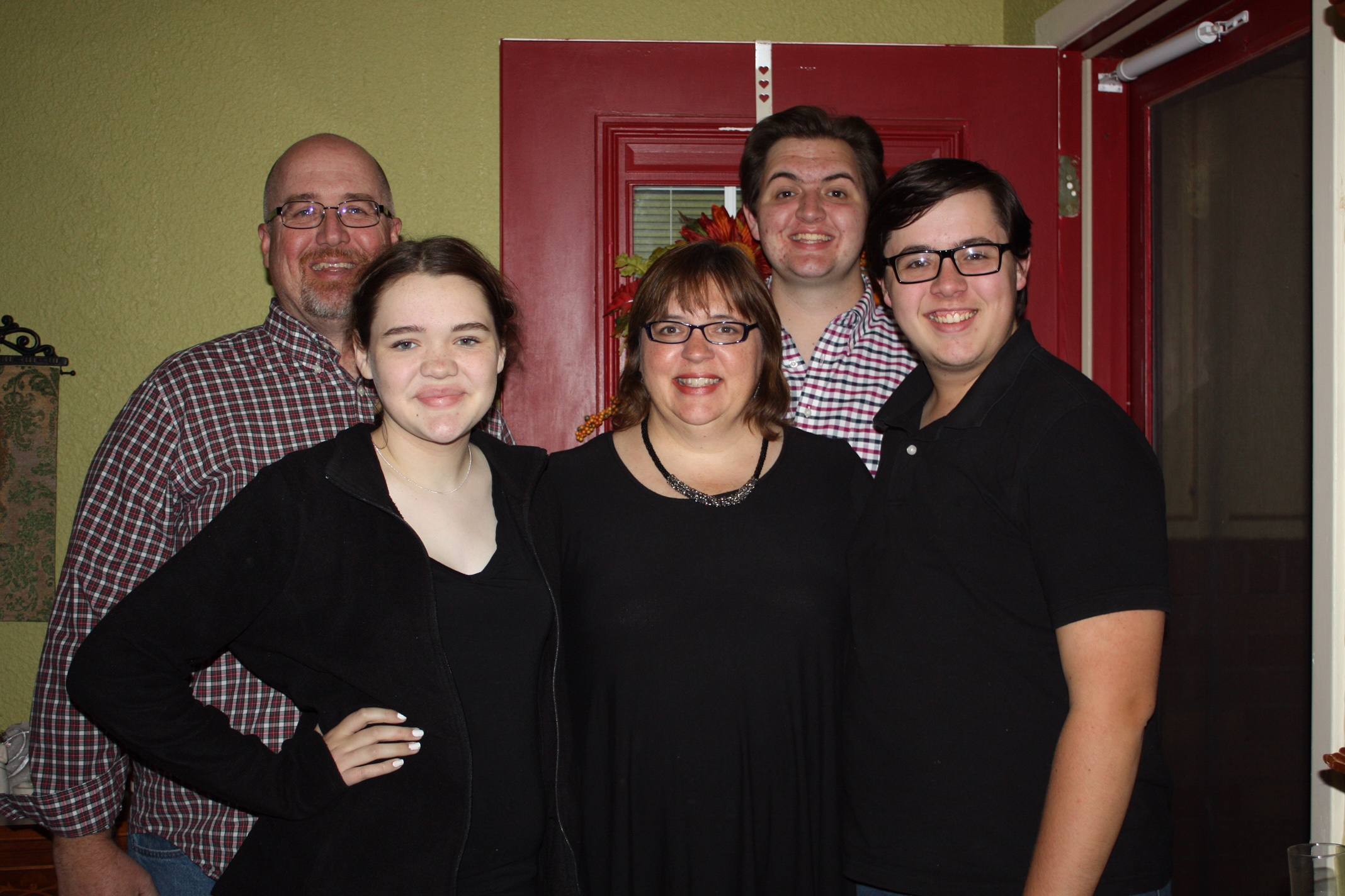 John & Linda, with children Thomas, Daniel, & Hannah