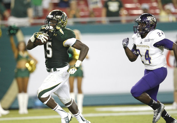 True freshman, Marlon Mack, lead the country in rushing this past weekend. He rushed for 175 yards and 3 TDs in the 2nd half. Not bad for a freshman. (Octavio Jones/Tampa Bay Times/MCT)