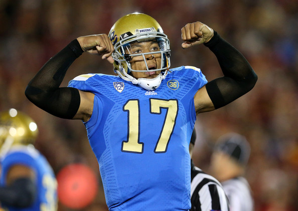 """UCLA and USC played in there 84th meeting for the Victory bell and according to Brett Hundley, they Bruins """"own LA"""" which is pretty strong words. Hundley has the right to say that since the Bruins has won the last 3 matchups against the Trojans. (AP Photo)"""