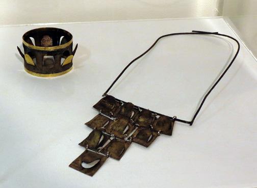 10.Willem Heyneker,bangle,$450  11.Willem Heyneker,neck piece,$650