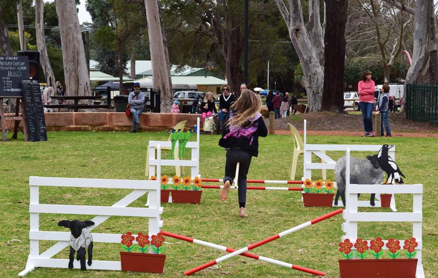 Great Hobby Horse Races - run up.jpg