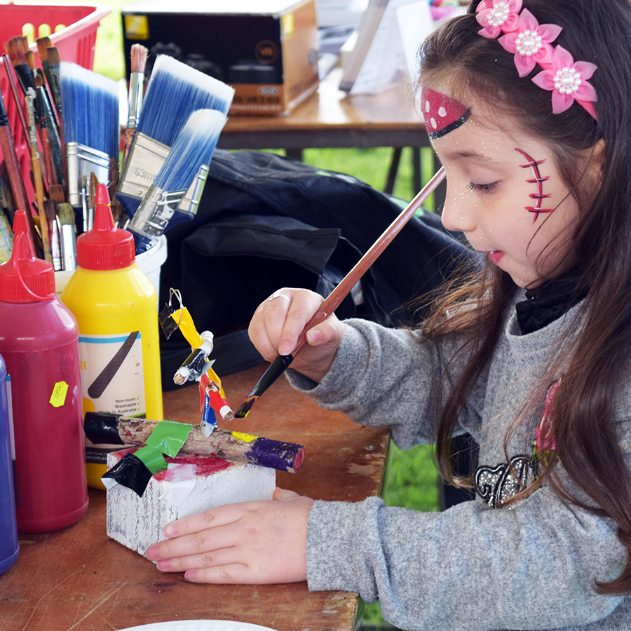 Painted abstract sculpture - Have a go using everyday tools such as pliers, ties, nails and hammers to construct your own small wood and wire sculpture. Renowned sculptor Jen Cochrane will assist you in your design as your adorn and paint your finished piece.11am - 2pmFREE