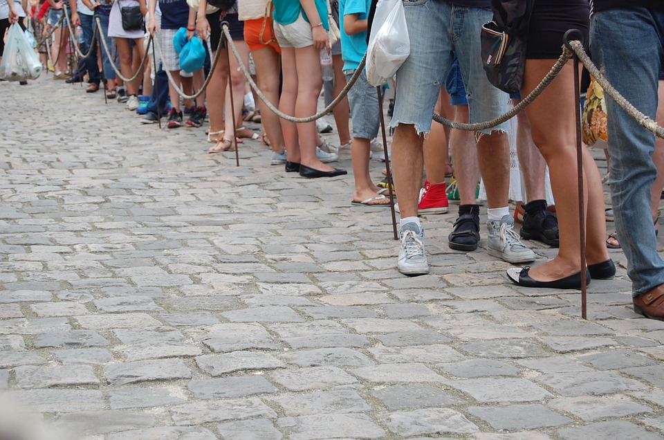 Long waiting lines can negatively influence customer experiences in-store.
