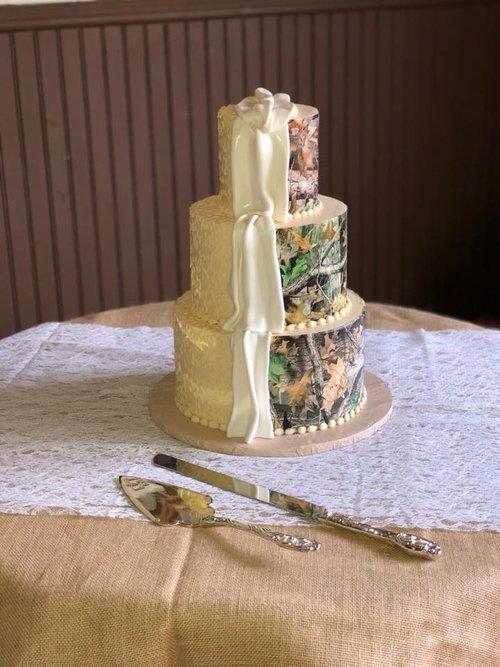 Camo Wedding Cakes.Wedding Tier Cakes The Cake Pros Bakery